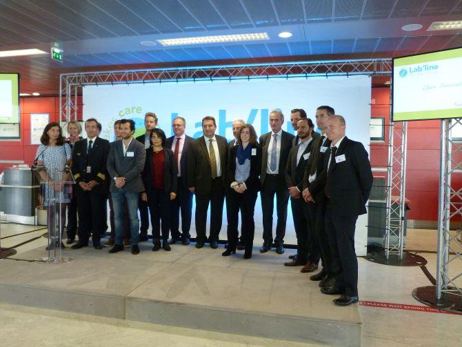 Lab Line Air France jeunes pousses autour du PDG Frederic Gagey