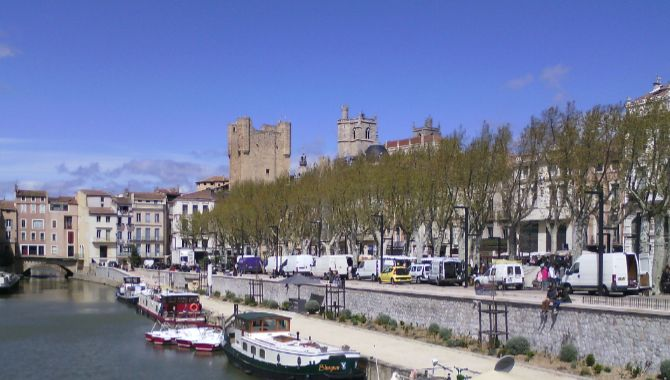 Narbonne canal et cathedrale