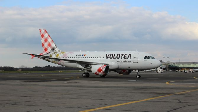 volotea-a319-roulage