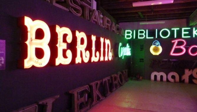 varsovie-musee-des-neons