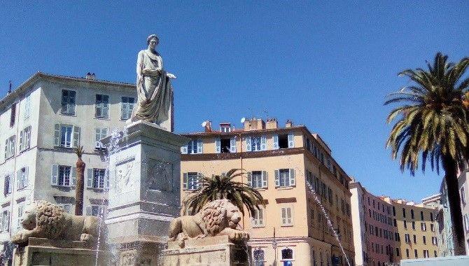 Ajaccio fontaine Napoleon