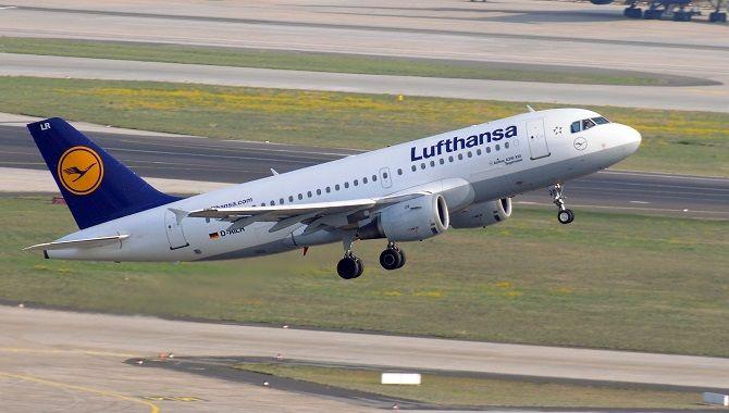 Lufthansa A319 decollage