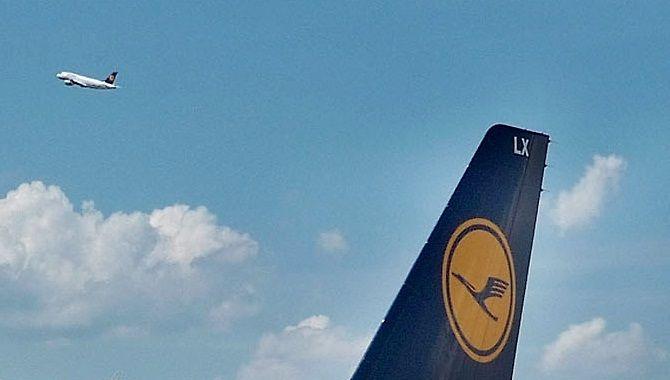 Lufthansa empennage