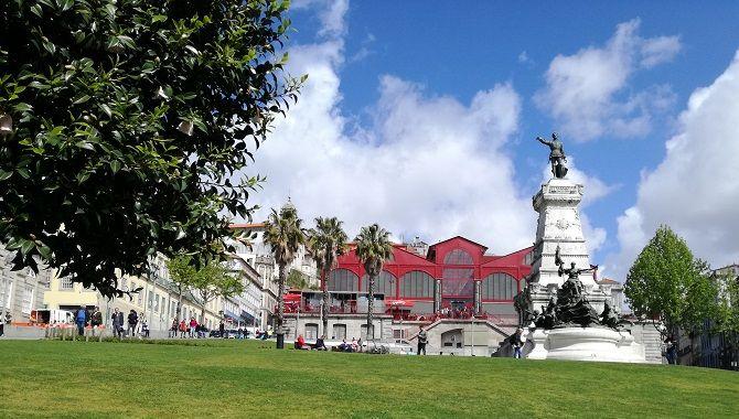 Porto place Infante Henrique