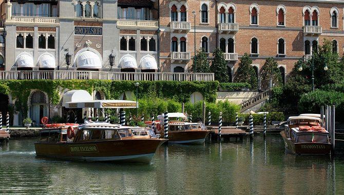 Venise Excelsior bateaux