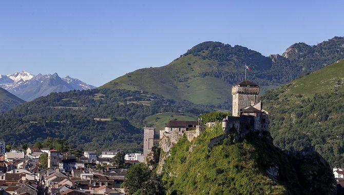 Lourdes chateau fort