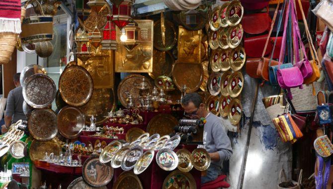 Tunis artisan souk
