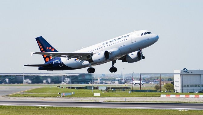Brussels Airlines A319 take off