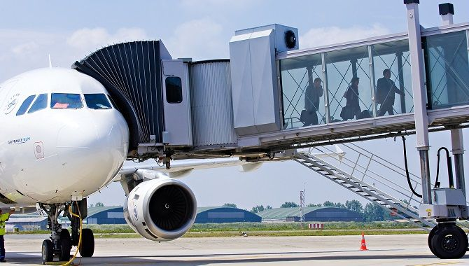 BOD avion contact passerelle