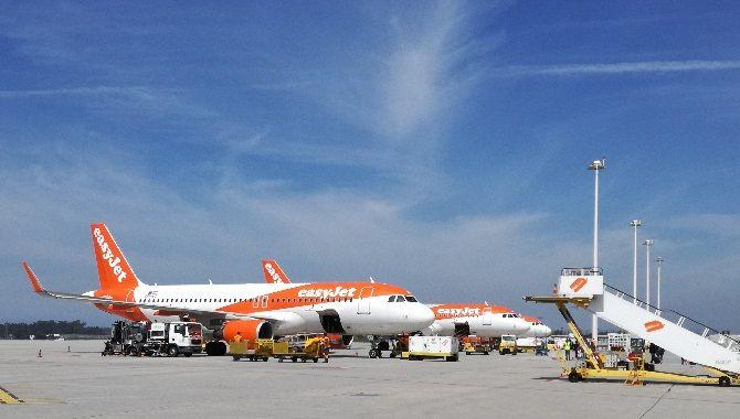 easyJet avions a Porto